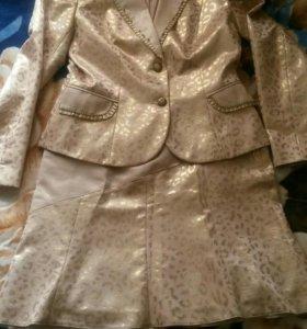 женская костюм с юбкой
