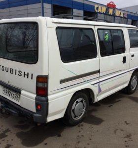 Mitsubishi Delica 1992г
