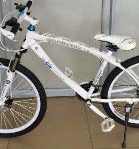 Велосипед на спицах BMW