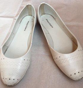 Кожаные белые балетки