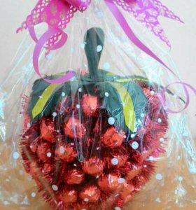Клубника 🍓 и ананас 🍍 из конфет
