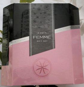 Подарочный парфюмированный набор Femme от Avon