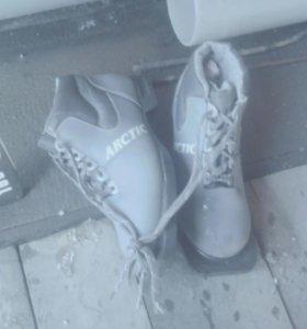 Продам лыжы + ботинки