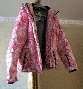 Продам горнолыжную куртку в отличном состоянии