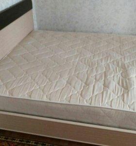 Кровать с матрацем+шкаф