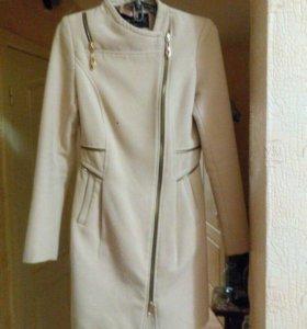 Пальто на девушку 40-42