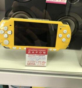 Sony PSP + Flash 8Gb + Авто зарядка