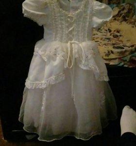 Красивое платья для маленькой принцессы.