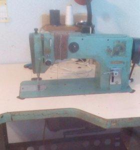 Швейная машинка 1022М