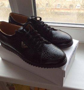 Продам ботинки Armani