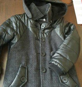 Детское пальто на мальчика 3-4 года в отличном сос