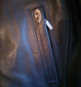 Куртка нормальная