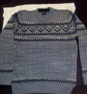 Мужской свитер L новый