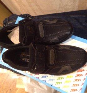 Детские ботинки. Размер 34