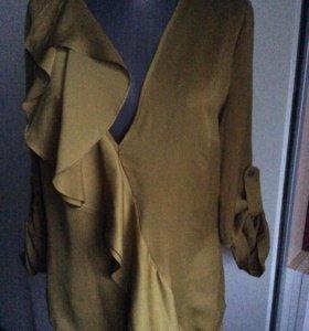 Блуза оливкового цвета 46-48
