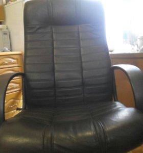 Кресло офисное.НАТУРАЛЬНАЯ КОЖА.