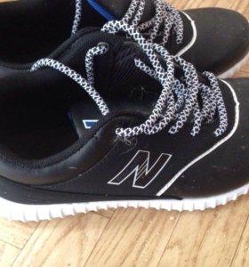 Продам кроссовки новые