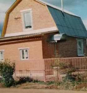 Дачный дом с участком