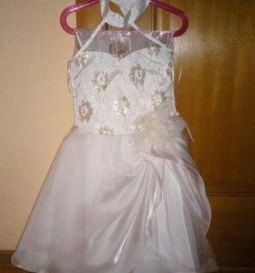 Платье б/у р.104