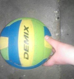 Мячик валебольный