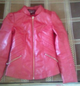 Кожаная куртка весеняя