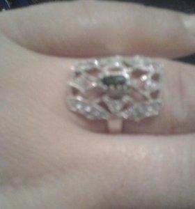 Серебренное кольцо 19.размер