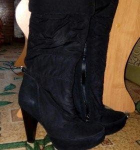 Сапоги женские чёрные.