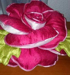 Подушки интерьерные (розы и кошечки)