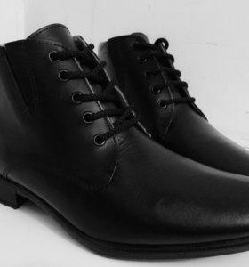 Стильные кожаные ботинки на весну