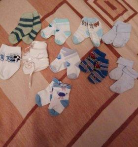 Носочки и пинетки