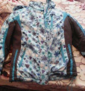 горнолыжный костюм(куртка и штаны)