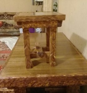 Стол деревянный и 6 табуреток