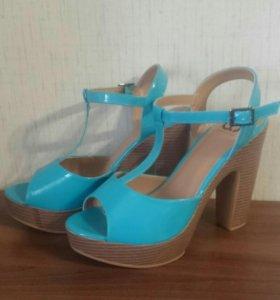 Туфли, босоножки новые