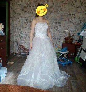 Свадебное платье с шубой