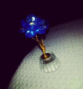 Изящный цветок,сувенир