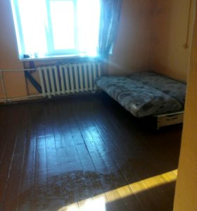 Продаю квартиру двухкомнатную на втором этаже