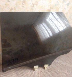 Ниссан Примьера р12 боковое стекло