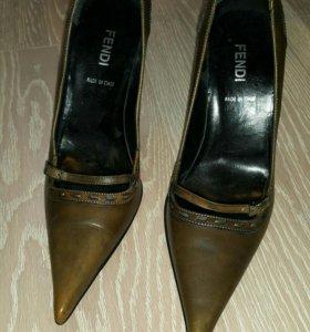 Оригинальные туфли Fendi