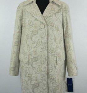 54 размер Пальто новое