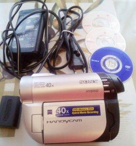 Продам б/у видеокамеру SONY DCR-DVD 610