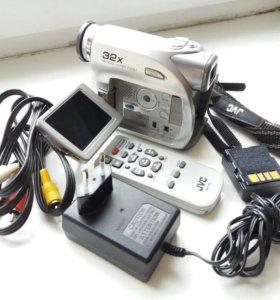 Цифровая видеокамера JVC GR-D360E