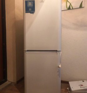 Холодильник Indesit IB 160 двухкамерный