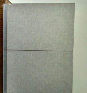 Навесной шкаф и Кухонный стол