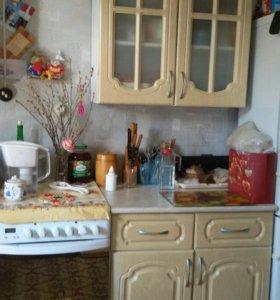 Кухонный гарнитур и индукционная плита Аристон
