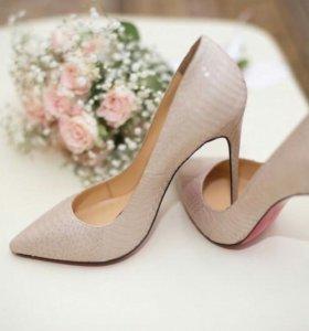 Туфли из питоновой кожи