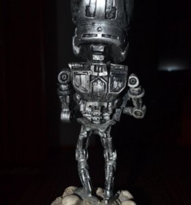Фигурка Terminator 2 Endoskeleton Head Knocker