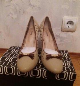 Туфли Covani женские новые