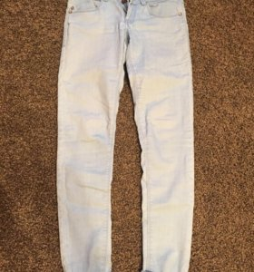 Светло-голубые джинсы размер 34