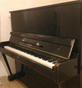 """Пианино """"Лира""""."""