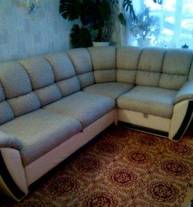 Угловой диван в отличном состоянии